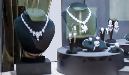 blackvelvet jewelry displays