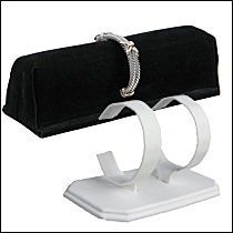 bracelet and watch displays 200