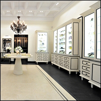 custom retail showcases with custom features and finishes 200