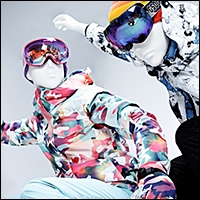skiers and snowboarders mannequins 200