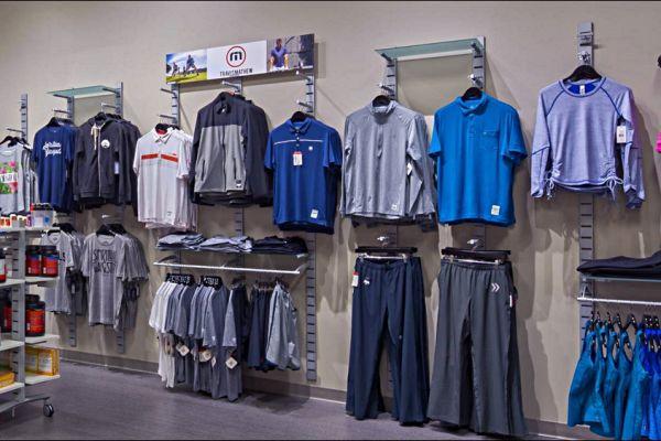 retail-slatstrip-gallery-13C91B6681-07C6-A3DB-CEB0-F64C7D549D39.jpg