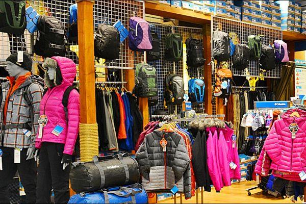 retail-gridwall-gallery-038D8BDEA6-3E30-52B8-BE12-2A4E72D2B4EE.jpg