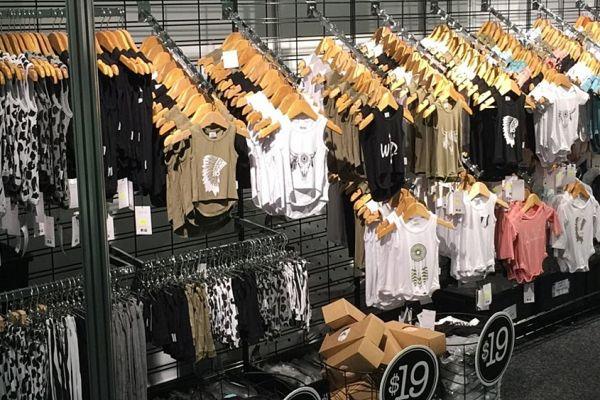 retail-gridwall-gallery-0993317A13-08FF-48E6-02C4-9E8BA0FB529C.jpg