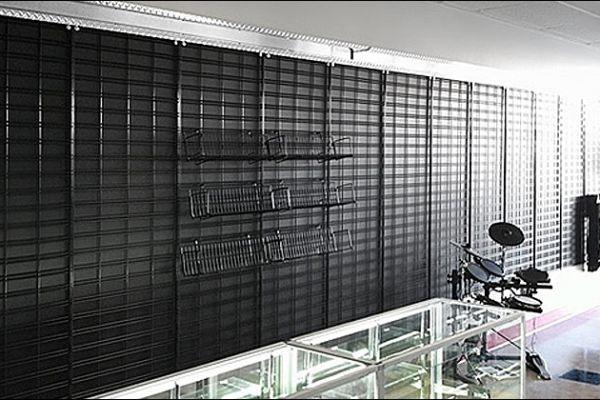 retail-gridwall-gallery-100AB7F2B1E-0DB1-8039-6DF3-B12900D9271C.jpg
