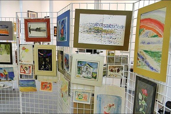 retail-gridwall-gallery-11977A3332-69A0-E9D2-C66B-BF2CD11F8A56.jpg