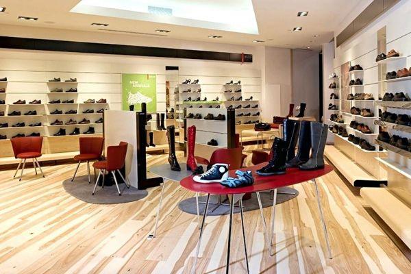 retail-shoe-store-gallery-0012ABF4E73-FF64-DA8E-9D35-3AD6B1E6BCBC.jpg