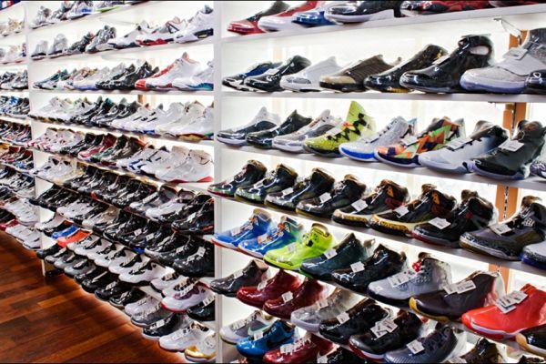 retail-shoe-store-gallery-003AAF973F3-9A3B-F2F3-BFE0-029ACB184A52.jpg