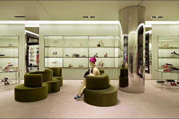 retail-shoe-store-gallery-007DC974D5E-A54F-7E92-D975-36F8B92DD15F.jpg