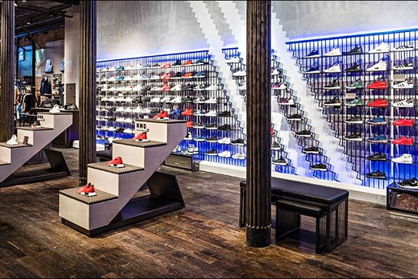 retail-shoe-store-gallery-010009909C6-7BC2-914F-90C7-58EC669B8E8D.jpg