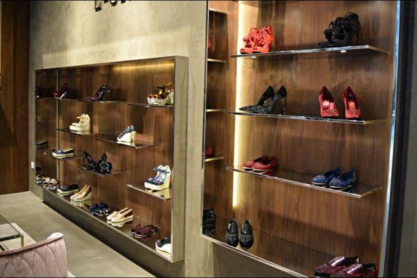 retail-shoe-store-gallery-011F940E6BB-B51A-F17E-5060-45D0D16A89F3.jpg