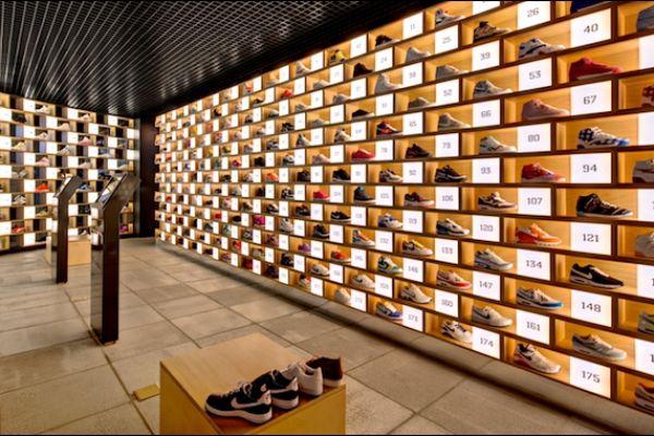 retail-shoe-store-gallery-019ABB9268D-D33D-342D-9D43-F42A8E62780A.jpg