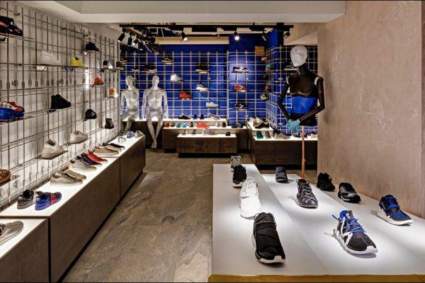 retail-shoe-store-gallery-020FA04A993-4EAE-1151-DBEF-B91719E7E3AD.jpg