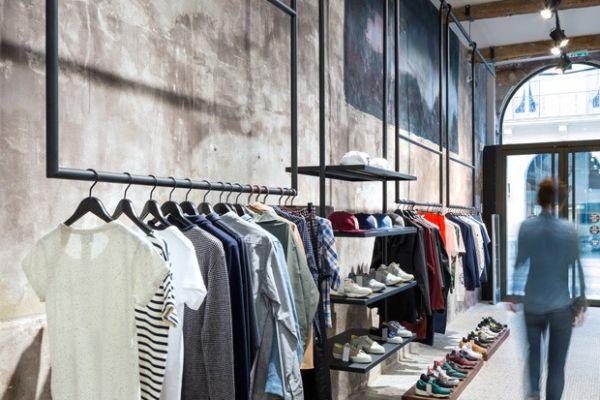 shoe-display-steel-clothing-racks-copy0655B786-BB44-2FD4-47F2-F087D366774E.jpg