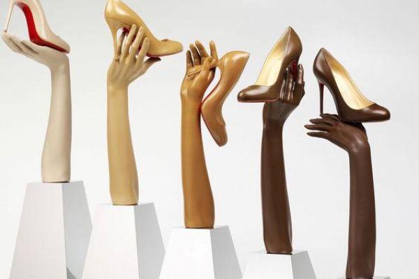 shoe-display25EEA6BF-EDFC-0053-F9DA-32A8160FA579.jpg