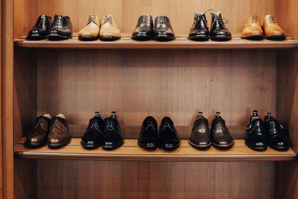 shoe-shelf-345470B37-6538-90C1-5093-69B5036232F5.jpg
