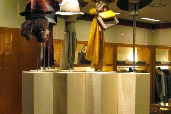 retail-hat-store-gallery-1085B673A3-9F25-96FF-F3B4-ADC5E5BA9CCF.jpg