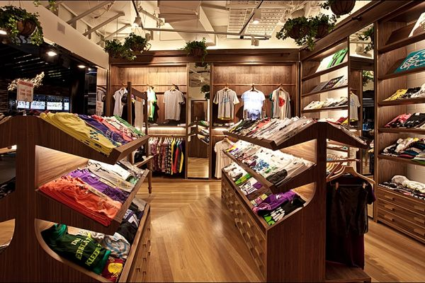 t-shirt-tee-retail-displays-gallery-0126F3CBA8B-051E-6CB2-AFA9-8FD54D80E99A.jpg