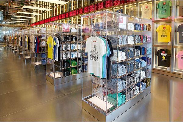 t-shirt-tee-retail-displays-gallery-013E4D01D15-0F7A-A435-E8D2-00177273B0B2.jpg
