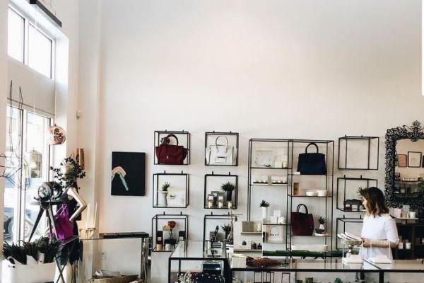abstracta-retail-fixtures-gallery-014DE986689-CC69-DC85-1269-AF3CD0D8E89C.jpg