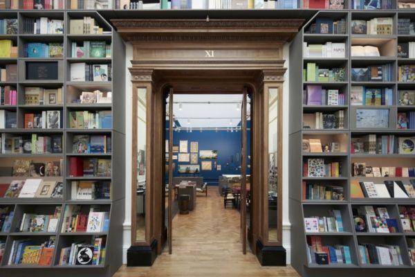 book-store-shelving542D432F-C4F1-2E6F-FB6A-E6FA12543A30.jpg