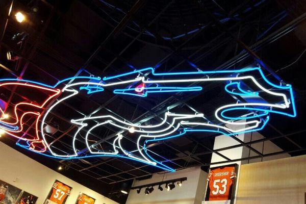 broncos-neon-ceilingEFBCECEC-8991-2DA5-87B4-3C8FB5EE7F70.jpg