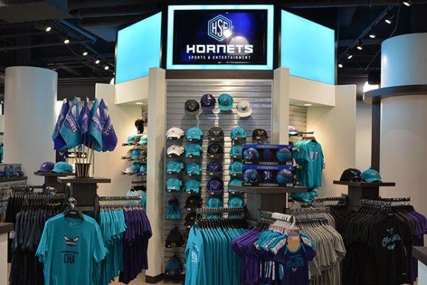 hornets-team-shop-display8227EA8E-9A27-3555-5C4C-54C70B79E257.jpg