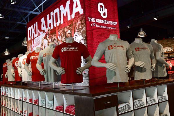 oklahoma-university-t-shirt-display3640993C9-9D56-9AF6-2CFC-E0313AF164D9.jpg