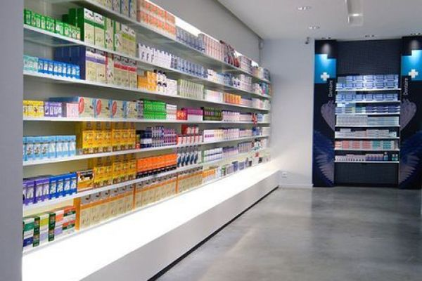 retail-shelves-1301F08505A-A155-5A25-BA03-739D5FDED26E.jpg