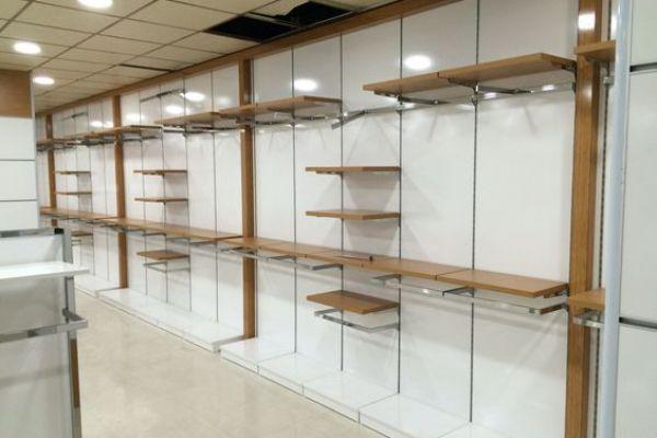 retail-shelves-1585784DC51-061E-D39D-22A8-3C7E27AF14D7.jpg
