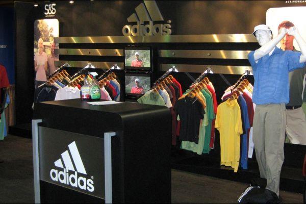 retail-puck-wall-gallery-img-19115AB0C-0D0D-2E47-F506-08C0F8C117D6.jpg