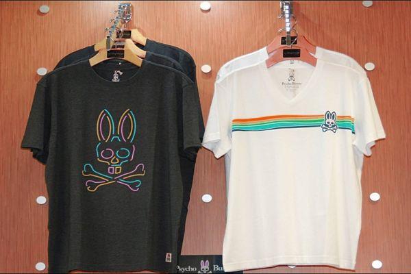 retail-puck-wall-gallery-img-7501C8E23-C144-6E9B-4EC9-66D98BC776C9.jpg