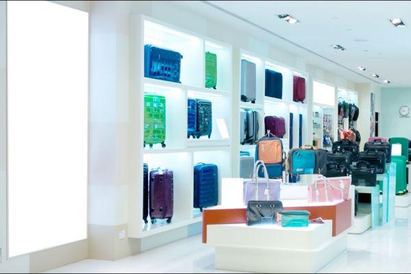 retail-armoire-gallery-07E5310712-59AA-1E10-6FA0-27167D38E5B0.jpg