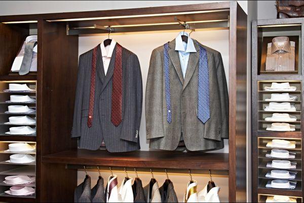 retail-armoire-gallery-1484F52BC7-18A8-2276-7015-2D1E5580C44F.jpg