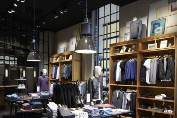 retail-armoire87991A1C-9F20-A609-0283-9DA98EB07619.jpg