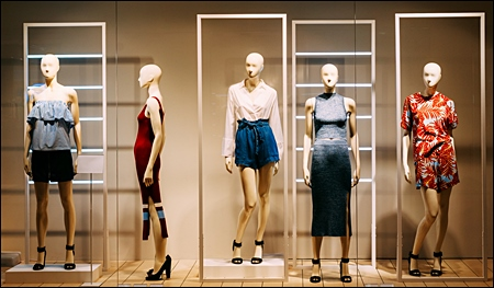 lease mannequins pic