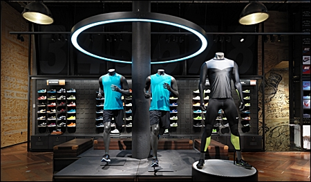 retail mannequin displays header