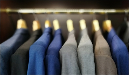 suit hangers retail header